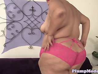 Plussize lady spoon fucked..